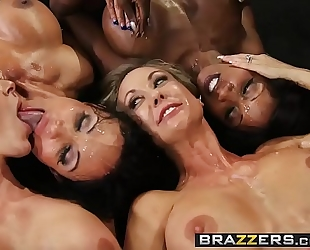 Brazzers.com - large milk cans in sports - (brandi love) - miss titness america
