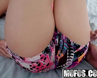 Mofos - share my bf - (cassidy banks) - blindfolded jogger trio