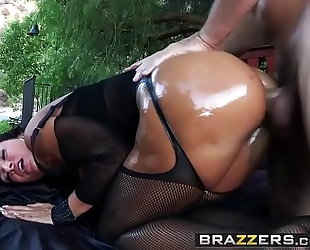 Brazzers.com - large moist booties - moist fantasy scene starring lisa ann and manuel ferrara