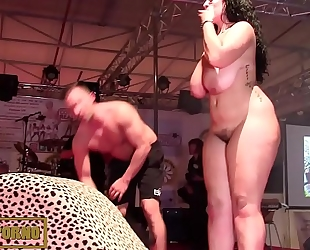 Bbw dark brown fucking large rod on stage