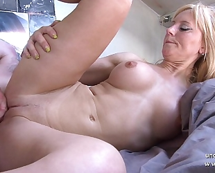 Amateur breasty french mamma drilled and sodomized with cum on body by her neighbour