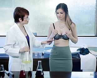Lesbian researchers try the fresh formula - bree daniels, stella cox