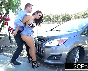 Horny whore keisha grey copulates police officer to save her boyfriend from a ticket