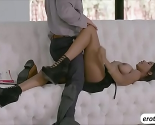 Alluring honey jenna foxx fucking a hunk instructor
