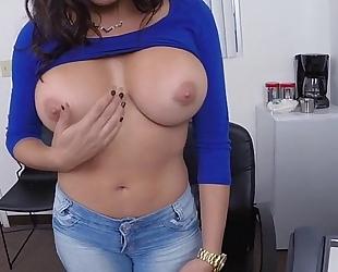 Latina craves to be a pornstar