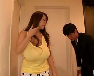 Hitomi tanaka taking a sexy washroom