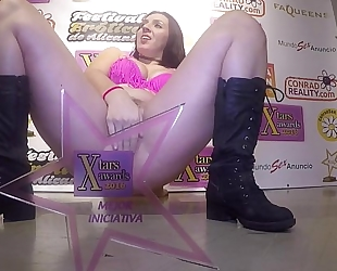 Masturbation with an excellent and giant squirting by charming pamela sánchez
