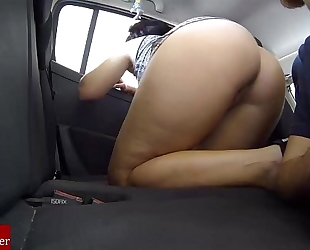 Exhibitionists in the car by eating cum-hole in public