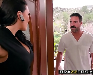 Dirty masseur - rubbing a pecker in her poon scene starring rachel starr and charles dera