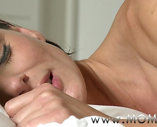 Mom lesbo milf makes love to her girlfriend