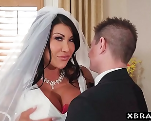 Huge mounds bride cheats on her wedding day with the most excellent guy