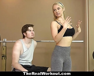 Therealworkout - sexy milf bonks fitness client