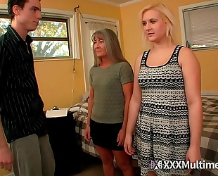 Female training step mama leilani lei and sister fifi foxx