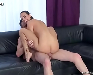 Male pornstar try to acquire mea melone and cum in her face hole
