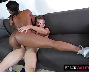 Sexy brunch with sexy dark hotwife chanell heart