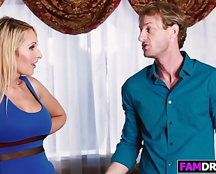 Gal alexa grace receives teached by stepmother