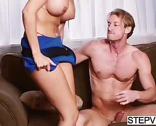 Alexa grace acquires aid from stepmom