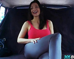 Big titty beauty aletta ocean screwed on the 305bus.1