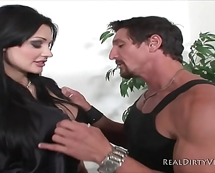 Sexy euro bitch aletta ocean receives team-fucked out by tommy xxx