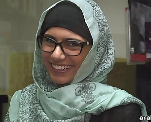 Mia khalifa takes off hijab and clothing in library (mk13825)