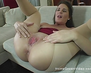 Lusty GILF in ripped pantyhose gets deeply fucked and creampied