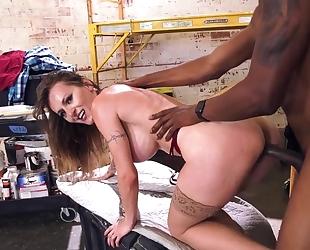 Tattooed Czech beauty seduces black construction worker