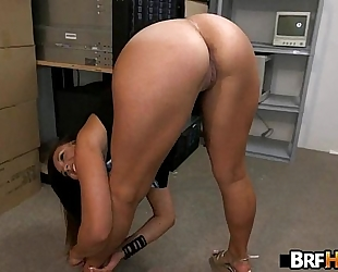 Tan gazoo beauty kelsi monroe pliant backroom fuck.1