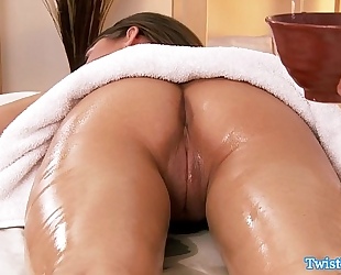 Riley reid gives masseur head