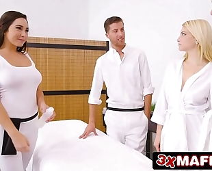 Super hawt masseuse karlee grey fucking fortunate man during the time that his slutty wife is sleeping