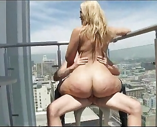 Blonde babe has giant gazoo - go2cams.com