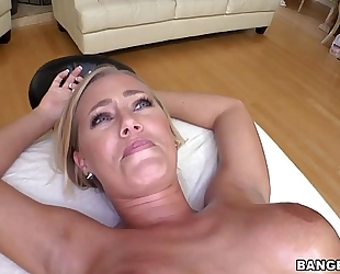 Nicole aniston receives a proper massage